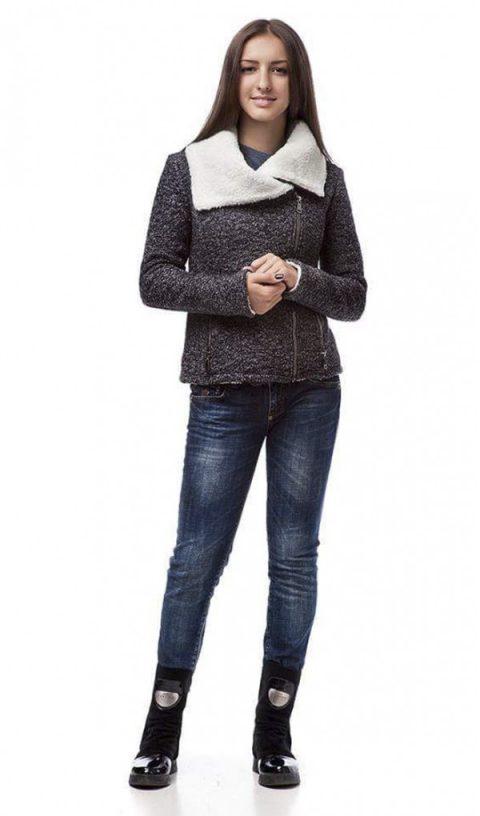 Курточка на меху женская 090